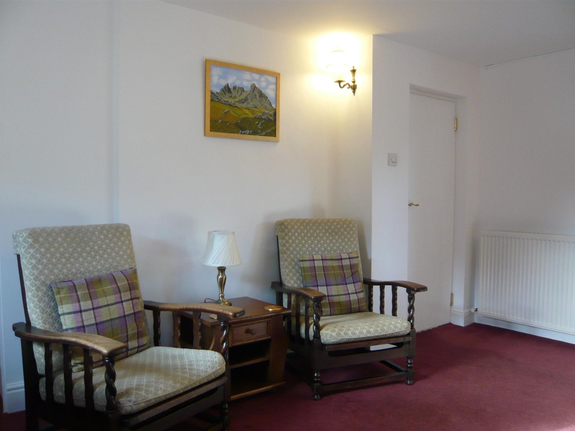1 bedroom ivy guest cottage with private garden in braemar for 1 bedroom cottage