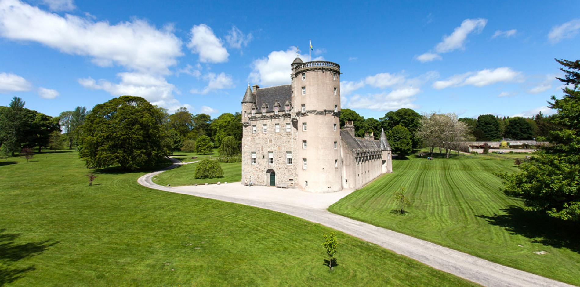 Castle Fraser Aberdeenshire Tours Opening Times Amp More