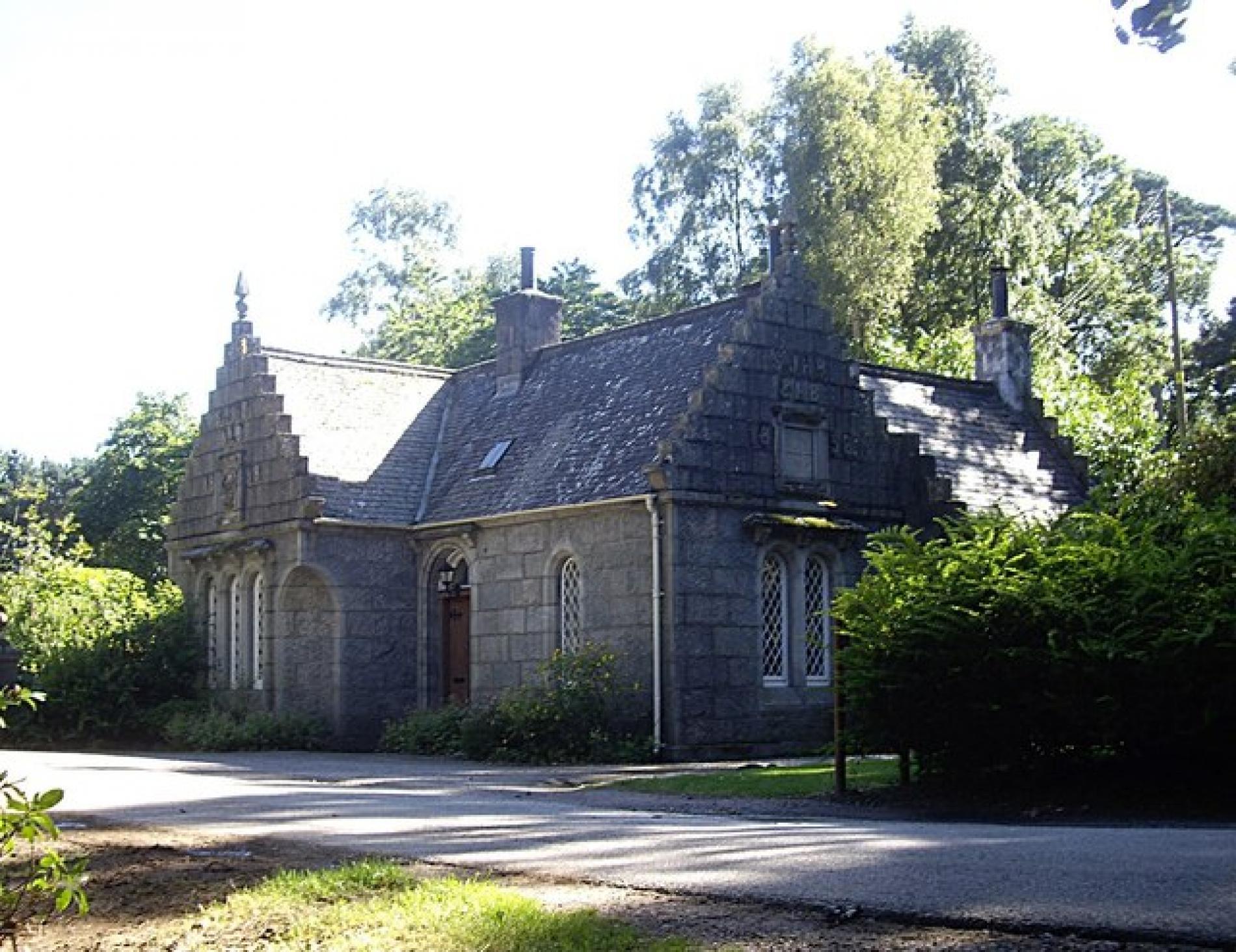 Visit Crathes Castle Gardens & Estate Aberdeenshire